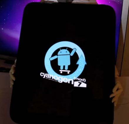 CyanogenMod 7 on the HP TouchPad