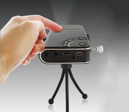 Tursion ts 102 combines a pico projector and a tiny for Laptop pico projector