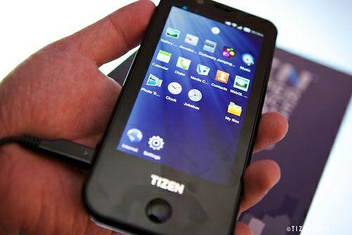 Samsung Tizen smartphone protoype