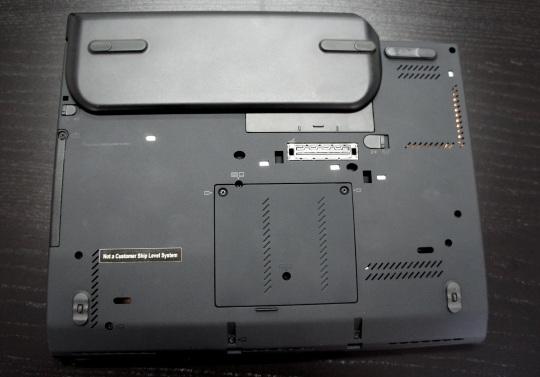 Lenovo ThinkPad X230T bottom
