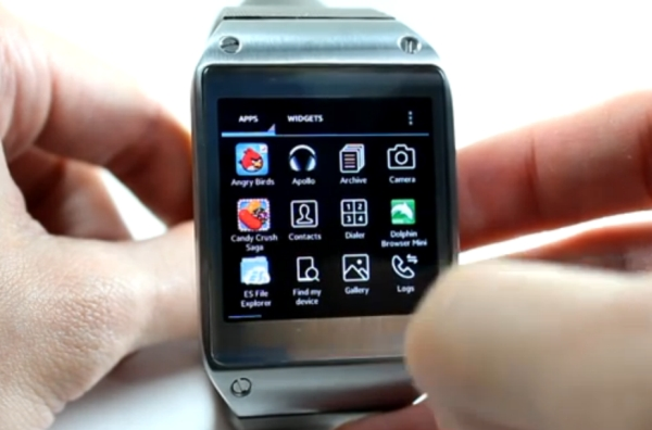 Samsung Galaxy Gear with Android apps