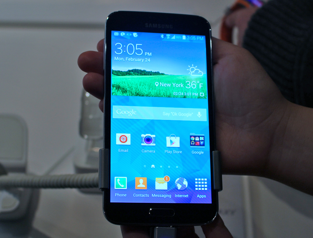 hands on with the samsung galaxy s5 liliputing. Black Bedroom Furniture Sets. Home Design Ideas