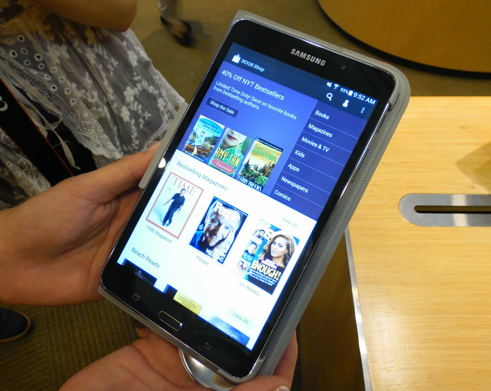 Hands on samsung galaxy tab 4 nook liliputing for Samsung galaxy 4 tablet
