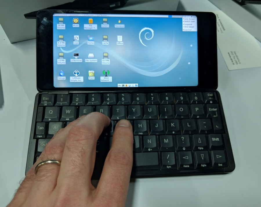 Hands On With The Gemini Pda Handheld Pc With Android
