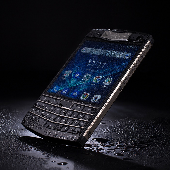 Unihertz Titan will be a crowdfunded BlackBerry clone (for